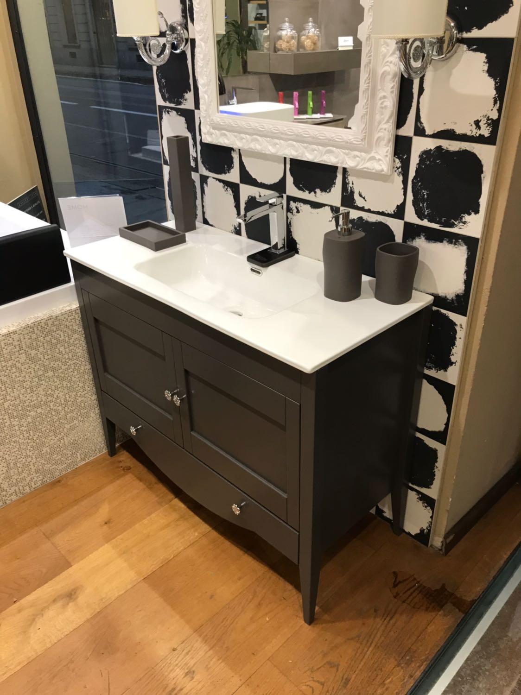Arredo bagno in pronta consegna composizione da bagno pamela vetrina offerte gallery home for Composizione piastrelle bagno