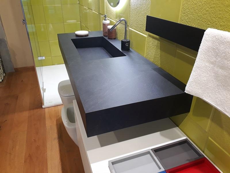 Arredo bagno in pronta consegna composizione da bagno edone modello eos vetrina offerte for Composizione piastrelle bagno